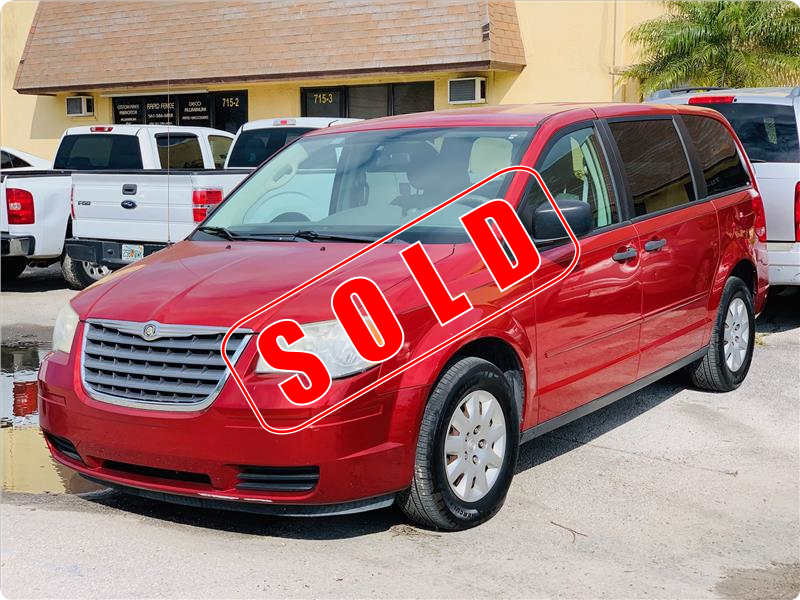 2008 Chrysler Town and Country in Lantana, Florida